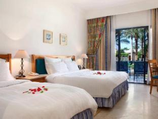 /de-de/hilton-sharm-el-sheikh-fayrouz-resort/hotel/sharm-el-sheikh-eg.html?asq=jGXBHFvRg5Z51Emf%2fbXG4w%3d%3d