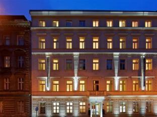 Red & Blue Design Hotel Prague