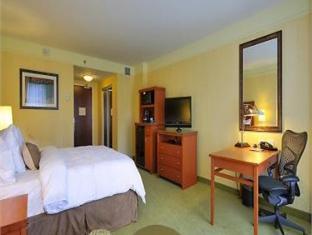 /bg-bg/hilton-garden-inn-montreal-centre-ville/hotel/montreal-qc-ca.html?asq=jGXBHFvRg5Z51Emf%2fbXG4w%3d%3d
