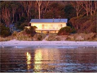 /bg-bg/harpers-on-the-beach-b-b/hotel/white-beach-au.html?asq=jGXBHFvRg5Z51Emf%2fbXG4w%3d%3d