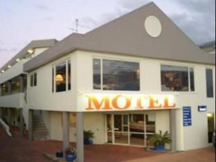 Bay Court Motel