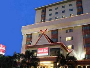 /da-dk/grand-zuri-pekanbaru-hotel/hotel/pekanbaru-id.html?asq=jGXBHFvRg5Z51Emf%2fbXG4w%3d%3d