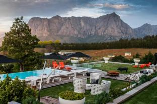 /ar-ae/clouds-wine-and-guest-estate/hotel/stellenbosch-za.html?asq=jGXBHFvRg5Z51Emf%2fbXG4w%3d%3d