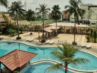 /da-dk/kapuas-palace-hotel/hotel/pontianak-id.html?asq=jGXBHFvRg5Z51Emf%2fbXG4w%3d%3d
