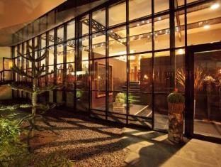 /en-sg/maison-decoret/hotel/vichy-fr.html?asq=jGXBHFvRg5Z51Emf%2fbXG4w%3d%3d