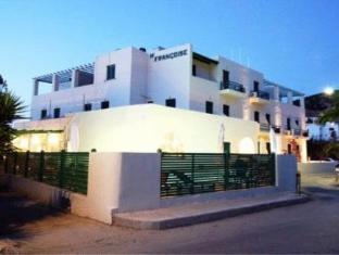 /ar-ae/francoise-hotel/hotel/syros-gr.html?asq=jGXBHFvRg5Z51Emf%2fbXG4w%3d%3d