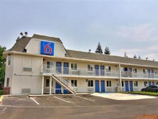/ja-jp/motel-6-sacramento-south/hotel/sacramento-ca-us.html?asq=jGXBHFvRg5Z51Emf%2fbXG4w%3d%3d