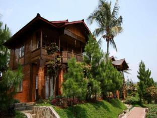 Jambuluwuk Puncak Resort Ciawi Bogor