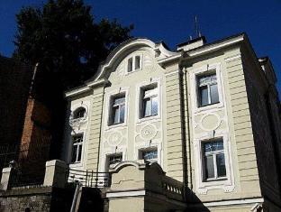 /ar-ae/hill-inn/hotel/poznan-pl.html?asq=jGXBHFvRg5Z51Emf%2fbXG4w%3d%3d