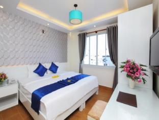 Blue River Hotel