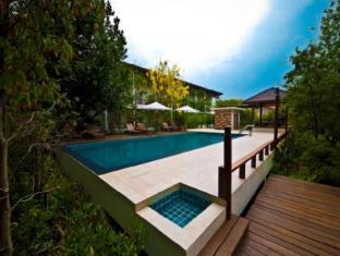 /da-dk/tree-house-hotel/hotel/sisaket-th.html?asq=jGXBHFvRg5Z51Emf%2fbXG4w%3d%3d