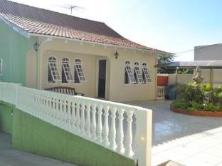 /bg-bg/iguassu-guest-house/hotel/foz-do-iguacu-br.html?asq=jGXBHFvRg5Z51Emf%2fbXG4w%3d%3d