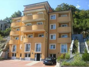 /ca-es/apartments-villa-marta/hotel/opatija-hr.html?asq=jGXBHFvRg5Z51Emf%2fbXG4w%3d%3d