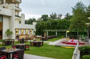 /ar-ae/ellaa-hotel-gachibowli/hotel/hyderabad-in.html?asq=jGXBHFvRg5Z51Emf%2fbXG4w%3d%3d