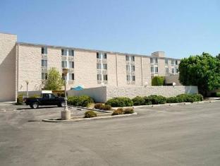 /ca-es/days-inn-suites-fullerton/hotel/fullerton-ca-us.html?asq=jGXBHFvRg5Z51Emf%2fbXG4w%3d%3d