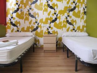 Feetup Hostels - Yellow Nest