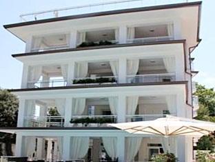 /cs-cz/hotel-central-park/hotel/marina-di-pietrasanta-it.html?asq=jGXBHFvRg5Z51Emf%2fbXG4w%3d%3d