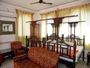 Krishna Prakash Heritage Haveli Hotel