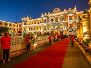 /id-id/hotel-yak-yeti/hotel/kathmandu-np.html?asq=jGXBHFvRg5Z51Emf%2fbXG4w%3d%3d