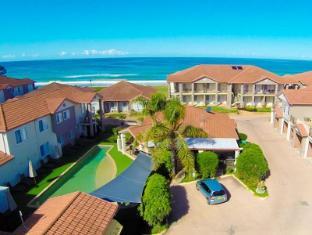 /ca-es/meridian-resort-beachside/hotel/old-bar-au.html?asq=jGXBHFvRg5Z51Emf%2fbXG4w%3d%3d