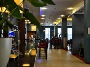 /ca-es/holiday-inn-express-warsaw-airport/hotel/warsaw-pl.html?asq=jGXBHFvRg5Z51Emf%2fbXG4w%3d%3d
