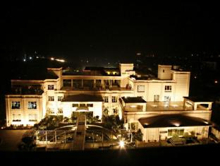 /da-dk/the-treehouse-hotel/hotel/bhiwadi-in.html?asq=jGXBHFvRg5Z51Emf%2fbXG4w%3d%3d