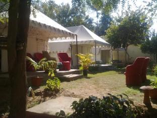 /da-dk/sher-camp-hotel/hotel/ranthambore-in.html?asq=jGXBHFvRg5Z51Emf%2fbXG4w%3d%3d