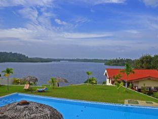 Kalla Bongo Lake Resort