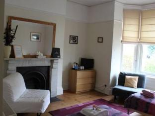 /en-au/town-house/hotel/exeter-gb.html?asq=jGXBHFvRg5Z51Emf%2fbXG4w%3d%3d