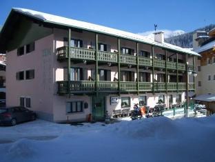 /cs-cz/hotel-zeni/hotel/madonna-di-campiglio-it.html?asq=jGXBHFvRg5Z51Emf%2fbXG4w%3d%3d