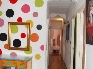 /de-de/russafa-youth-hostel/hotel/valencia-es.html?asq=jGXBHFvRg5Z51Emf%2fbXG4w%3d%3d