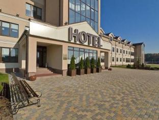 /pt-br/robins-club/hotel/minsk-by.html?asq=jGXBHFvRg5Z51Emf%2fbXG4w%3d%3d