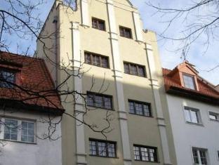 /de-de/4-friendshostel/hotel/gdansk-pl.html?asq=jGXBHFvRg5Z51Emf%2fbXG4w%3d%3d