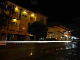 /id-id/pondok-jatim-park-hotel-cafe/hotel/malang-id.html?asq=jGXBHFvRg5Z51Emf%2fbXG4w%3d%3d