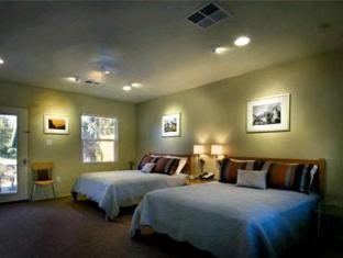 /cs-cz/queen-s-inn-by-the-river/hotel/oakhurst-ca-us.html?asq=jGXBHFvRg5Z51Emf%2fbXG4w%3d%3d