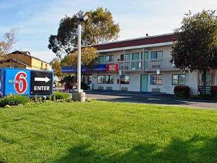 /cs-cz/motel-6-salinas-north-monterey-area/hotel/salinas-ca-us.html?asq=jGXBHFvRg5Z51Emf%2fbXG4w%3d%3d