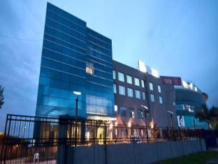 /ca-es/golden-plaza-hotel/hotel/chandigarh-in.html?asq=jGXBHFvRg5Z51Emf%2fbXG4w%3d%3d