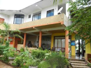 /bg-bg/lake-wave-hotel/hotel/anuradhapura-lk.html?asq=jGXBHFvRg5Z51Emf%2fbXG4w%3d%3d