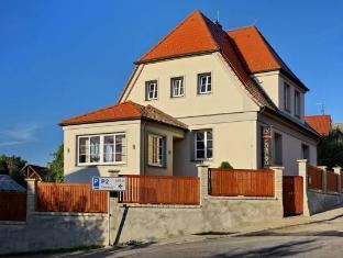 /ca-es/ck-pension/hotel/cesky-krumlov-cz.html?asq=jGXBHFvRg5Z51Emf%2fbXG4w%3d%3d