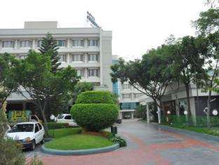 /cs-cz/hotel-cenneys-gateway/hotel/salem-in.html?asq=jGXBHFvRg5Z51Emf%2fbXG4w%3d%3d