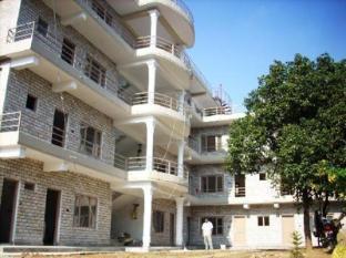 /zh-hk/hotel-lotus-inn/hotel/pokhara-np.html?asq=jGXBHFvRg5Z51Emf%2fbXG4w%3d%3d