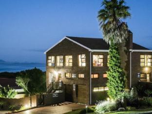 /ar-ae/white-shark-guest-house/hotel/gansbaai-za.html?asq=jGXBHFvRg5Z51Emf%2fbXG4w%3d%3d
