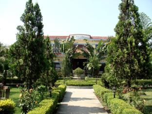 /hu-hu/jungle-safari-resort/hotel/chitwan-np.html?asq=jGXBHFvRg5Z51Emf%2fbXG4w%3d%3d
