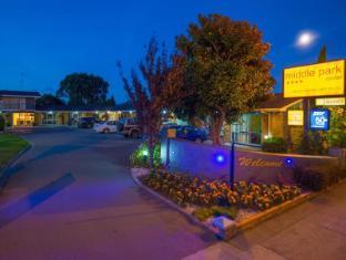 Middle Park Motel