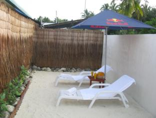 Tropical Lodge