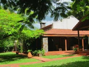 /ca-es/guest-house-puerto-iguazu/hotel/puerto-iguazu-ar.html?asq=jGXBHFvRg5Z51Emf%2fbXG4w%3d%3d