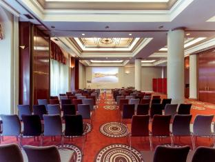 /en-sg/mercure-lyon-centre-perrache/hotel/lyon-fr.html?asq=jGXBHFvRg5Z51Emf%2fbXG4w%3d%3d