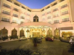 /cs-cz/the-chancery-hotel/hotel/bangalore-in.html?asq=jGXBHFvRg5Z51Emf%2fbXG4w%3d%3d