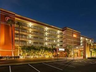 /ca-es/ramada-tampa-airport-westshore/hotel/tampa-fl-us.html?asq=jGXBHFvRg5Z51Emf%2fbXG4w%3d%3d