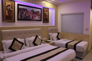 /ca-es/hotel-all-iz-well/hotel/new-delhi-and-ncr-in.html?asq=jGXBHFvRg5Z51Emf%2fbXG4w%3d%3d